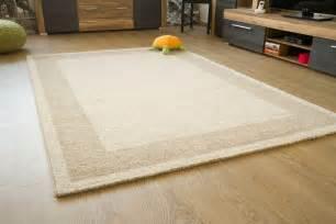 tappeti per soggiorno tappeti moderni soggiorno ikea divani colorati moderni