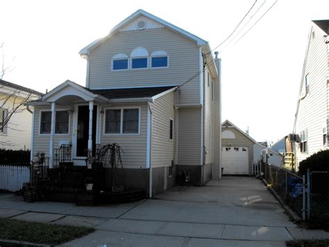 waterfront homes for sale in lindenhurst ny