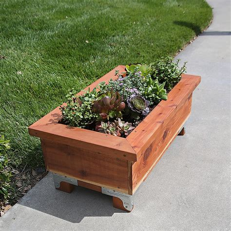 Get Ready For Spring With Diy Planter Boxes Diy Done Right Planter Boxes