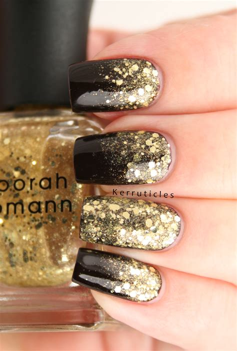Nägel Mit Gold by 35 Black And Gold Nail Designs