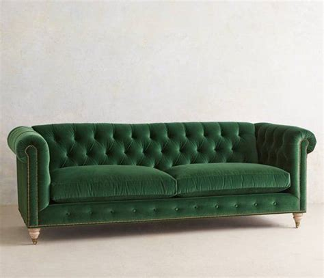 emerald green couch 379 best images about dekorasyon on pinterest velvet