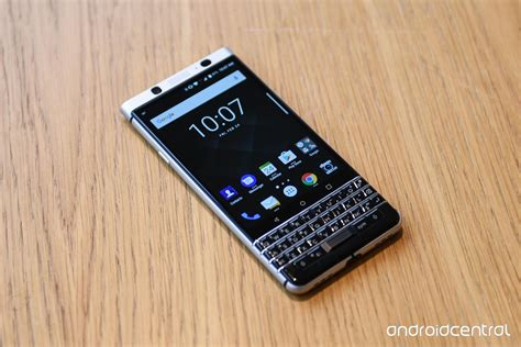 BlackBerry KEYone hands on: Your dad's favorite Android phone   Android Central