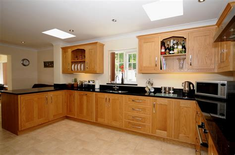 Oak Kitchen Furniture | oak shaker kitchen st davids mark stone s welsh kitchens