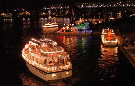 holidays kick off in chattanooga with lighted boat parade
