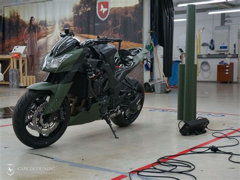 Motorrad Folierung Design by Motorrad Folieren Einer Kawasaki Z1000 Design Folierung
