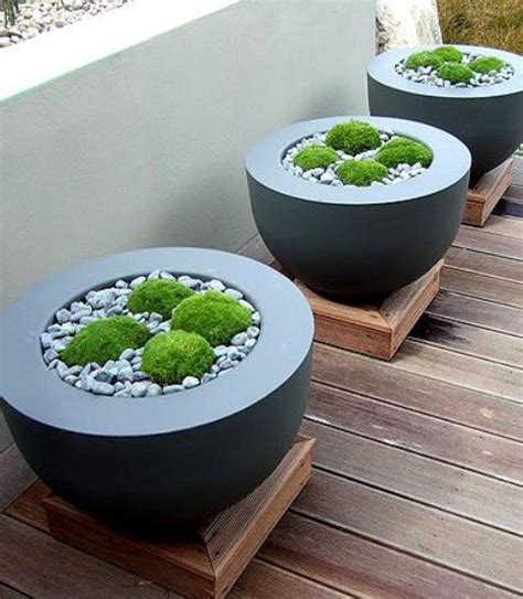 Modern Garden Planters by 37 Modern Planters To Make Your Outdoors Stylish Digsdigs