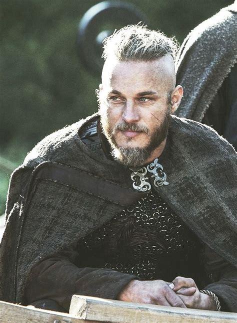 travis fimmel ragnar vikings men i love pinterest 84 best images about sexiest man alive ragnar lothbrok