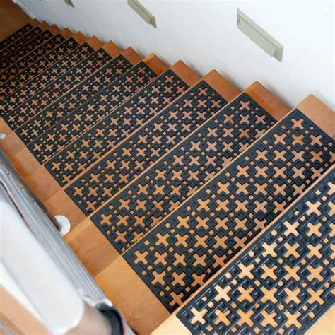 Stair Mats Indoor by Best 25 Stair Mats Ideas On Wood And Carpet