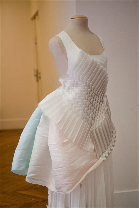 Origami Fashion Designers - origami fashion fabric manipulation for fashion design