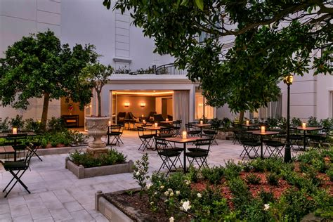 garden wedding ceremony and reception sydney courtyard dusk intercontinental sydney bay