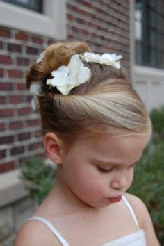 Wedding Hairstyles For Toddlers by The 25 Best Ideas About Flower Hairstyles On