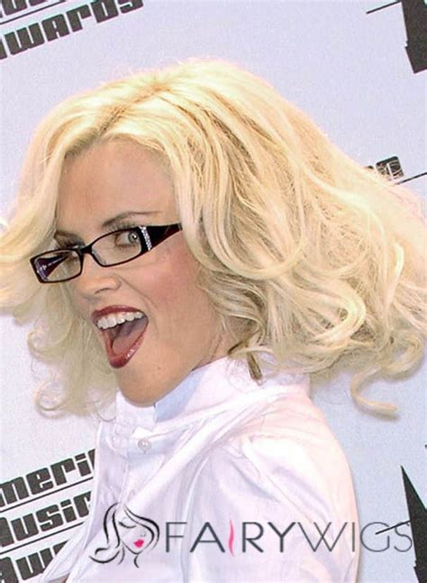 does jenny macarty wear wigs does jenny mccarthy wear a hairpiece does jenny mcgarthy