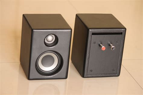 bookshelf speakers small blum india