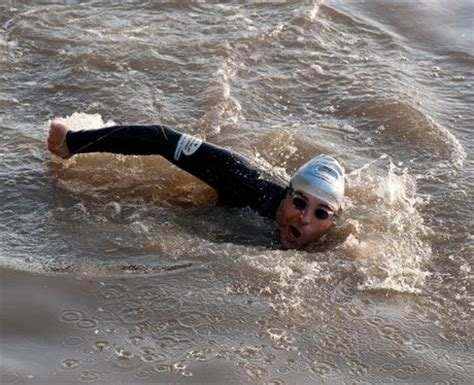 thames river swimming david walliams thames swim heart
