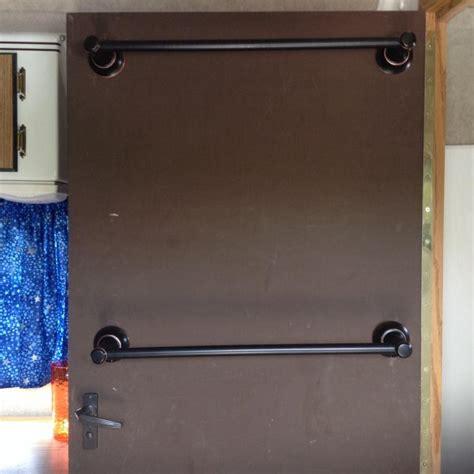 Shower Door Towel Bars Towel Bars On Bathroom Door Sc Owners International
