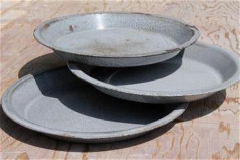 vintage enamelware, graniteware