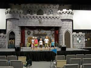 This is the main stage set amazing and so realistic was not just a