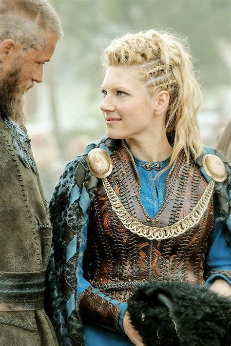 vikings lagertha hair ragnar and lagertha vikings travis fimmel pinterest