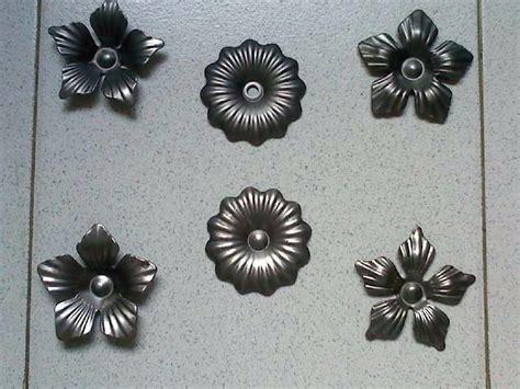 venta de apliques flores y apliques en hierro forjado bs 275 000 00 en