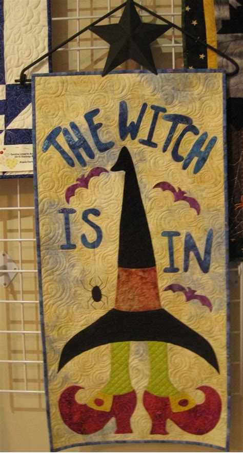 thread waggle quilting the witch is in