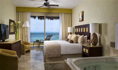 2 bedroom suites in cancun two bedroom master residence villa del palmar cancun