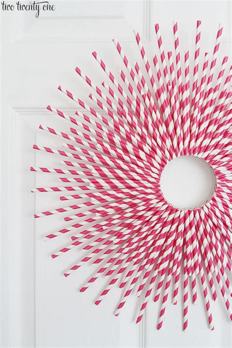 How To Make Paper Straws - paper straw wreath