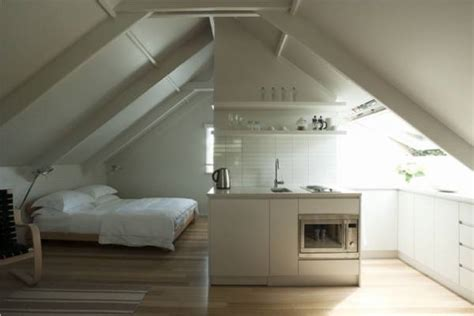 Living Space Above Garage by Arredamento Per Mansarda Progettazione Casa Consigli