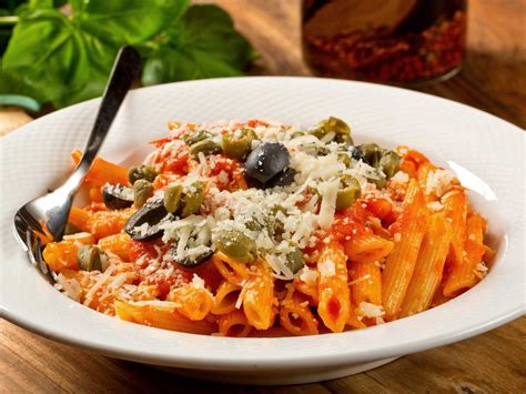 cuisine spaghetti 8 foods you won t find in italy and what to