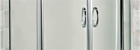 tendina bagno porta in vetro nella doccia o 232 meglio la tendina