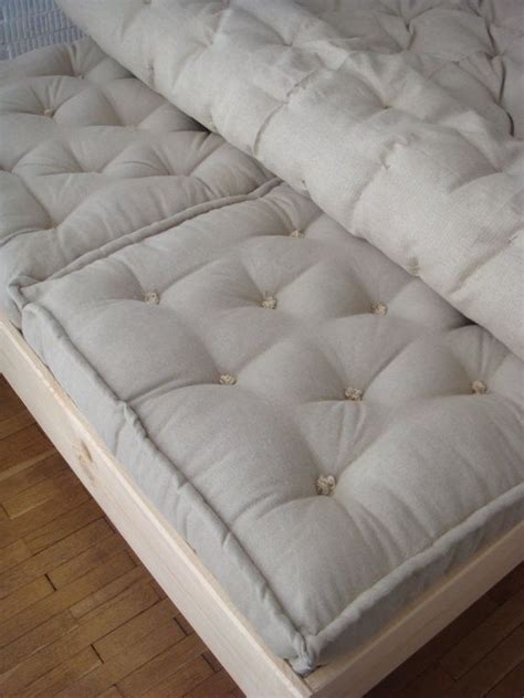 Xl Futon by 1000 Ideas About Xl Mattress On Mattress