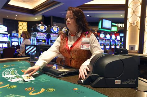 blackjack card shuffler template horseshoe adds continuous shuffle machines stirring