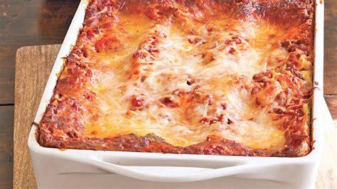 Betty Crocker Lasagna Recipe With Cottage Cheese by Cheesy Beef Lasagna Recipe Bettycrocker