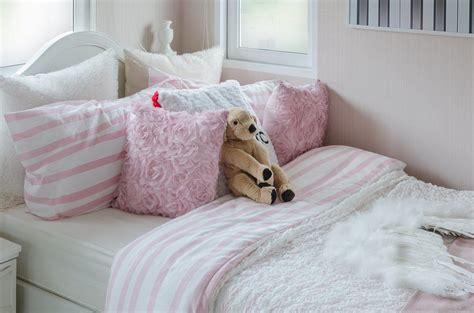 deko garten rosa rosa deko einrichtungsideen 183 ratgeber haus garten