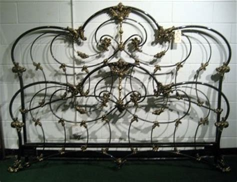 cast iron bed frame 1000 ideas about cast iron beds on antique