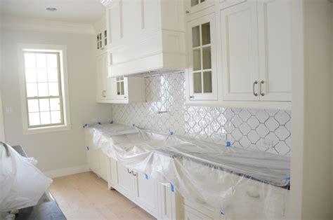 quatrefoil backsplash tile beautiful arabesque tile