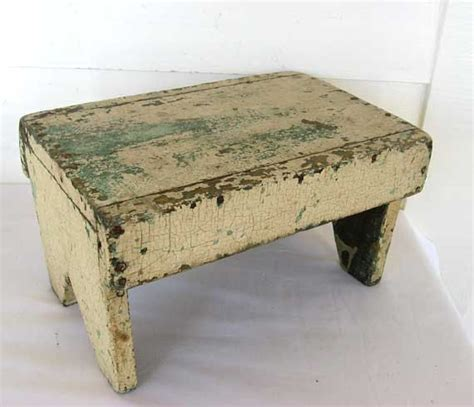 Small Benches And Stools 1000 Ideas About Small Bench On Small Bench