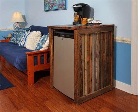 Mini Fridge Cabinet Furniture by 25 Best Ideas About Cool Mini Fridge On Mini