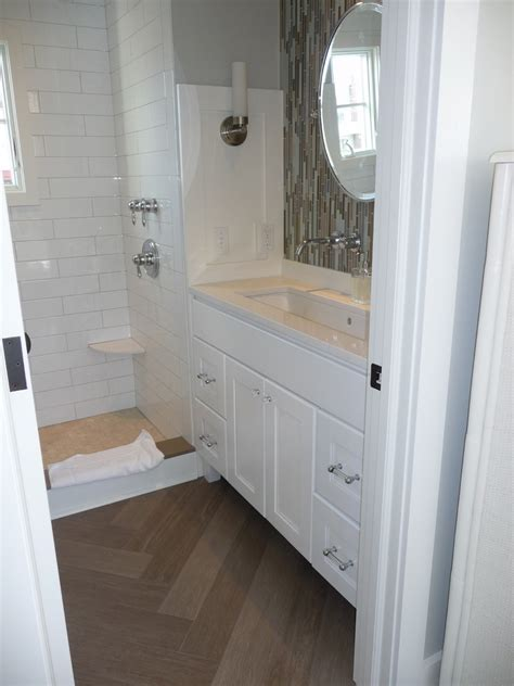 Cool Bathroom Ideas For Small Bathrooms by Incredible Wood Grain Tile Flooring Decorating Ideas