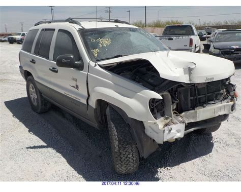 wrecked jeep grand cherokee 2001 jeep grand cherokee salvage