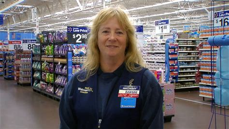 oklahoma walmart employee defends food donation caign for co workers abc news
