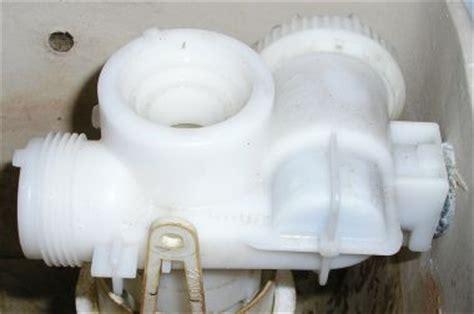 Villeroy En Boch Toilet Vlotter by Onderdeel Stortbak Defect Wat Is Het Merk Van Dit Mechaniek
