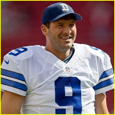 tony romo dallas cowboys quarterback tony romo fractures left