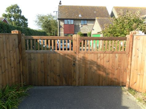 wooden gates and timber gates made to measure by friday