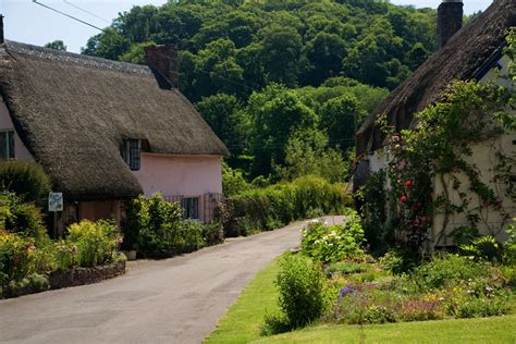Cottages In Dunster by Thatched Cottages Dunster Somerset Guide Photos