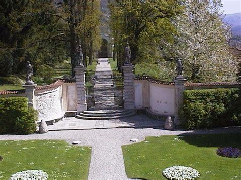 il segreto della casa sul cortile riassunto artemisia gentileschi il giardino villa della porta