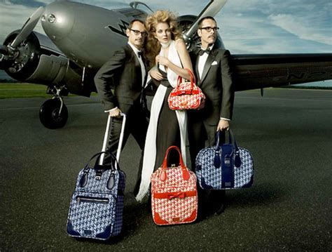 Samsonite Shows Their Collaboration With Mcqueen 2 by Samsonite Black Label Viktor Rolf Front