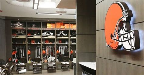 cleveland browns locker room browns locker room seating chart who sits next to whom cleveland