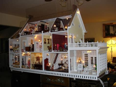Beautiful Dollhouse With Lights Old Entertainment