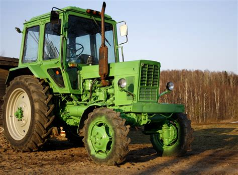 The Green Tractor file green tractor jpg wikimedia commons