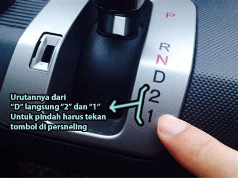 tutorial cara mengendarai mobil manual 10 cara mengemudi mobil matic dengan benar dan cepat